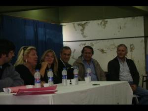 El Lic. Luis Parodi (primero desde la derecha) representado a Unión por Todos en la Coalición Cívica (Fotos REC ARVO)