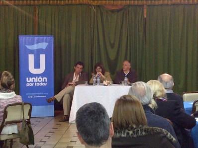 de izq. a der.: Matías Lobos, Patricia Bullrich, Luis Parodi