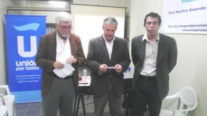 de izq. a der.: Dr. Roberto Romeo, Lic. Luis Parodi, Lic. Matías Lobos